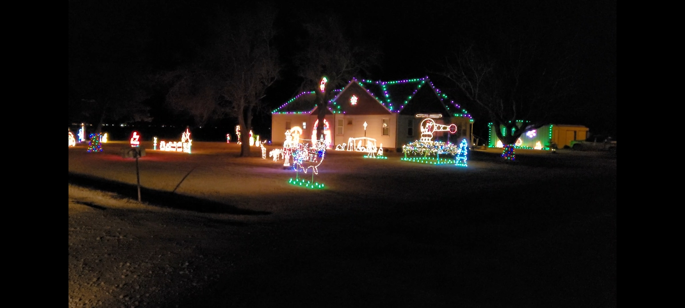 BRIGHT CHRISTMAS LIGHTS IN THE COUNTRY